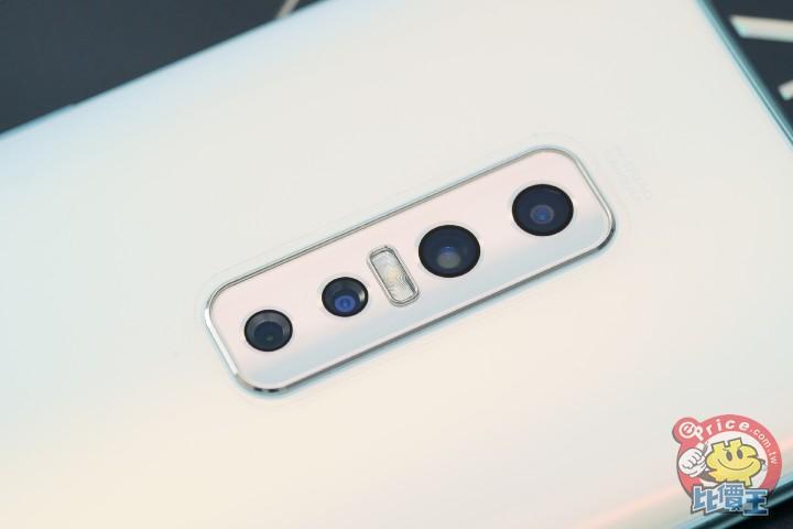 超廣角跟超微距一把抓,vivo V17 Pro 螢幕指紋辨識機開箱試玩