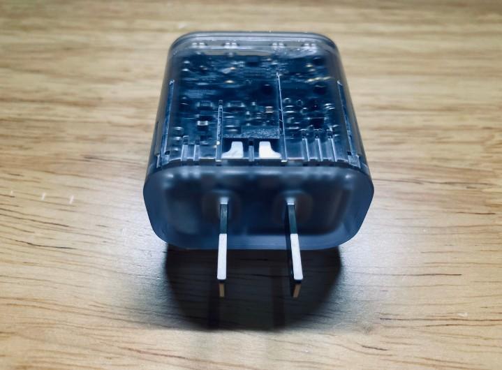 iPhone 12 將不會隨附耳機與充電器?