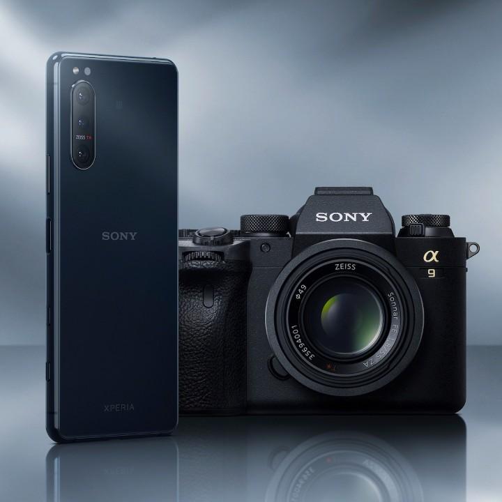 圖說二、Xperia 5 II採用源於Sony獲獎無數的Alpha單眼相機技術,打造又快又準的相機拍攝體驗.jpg