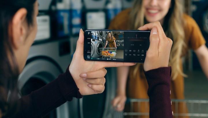 圖說三、Xperia 5 II擁有即時眼部追蹤對焦功能,完美人像隨時捕捉,精彩時刻絕不失焦.jpg